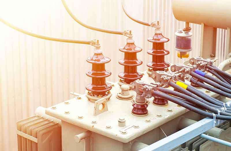 Instalaciones eléctricas industriales de baja y media tensión