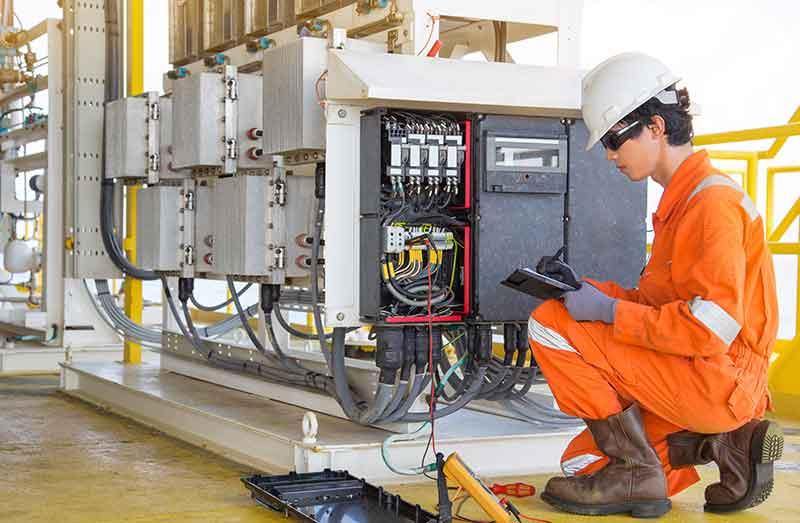 Instalaciones y mantenimiento eléctrico eficientes